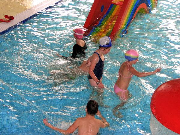 Заражение острицами возможно и в бассейне