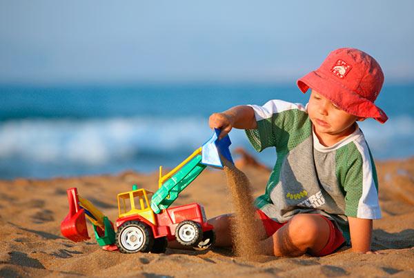 В песочнице ребенок может заразится гельминтами