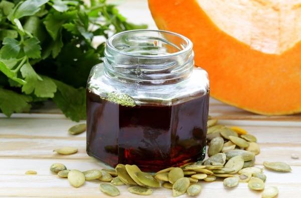 Применение тыквенного масла дает выраженный терапевтический эффект