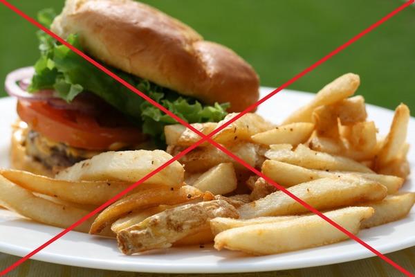 Во время приема препарата жирную пищу лучше не употреблять