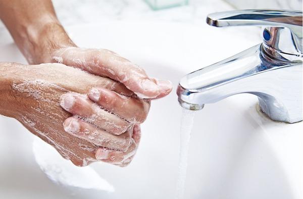 Поддержание чистоты рук и тела - основная мера борьбы с острицами