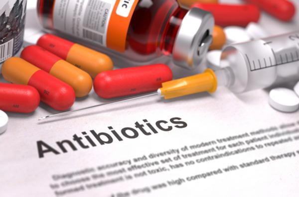 Антибиотики могут убивать полезную микрофлору