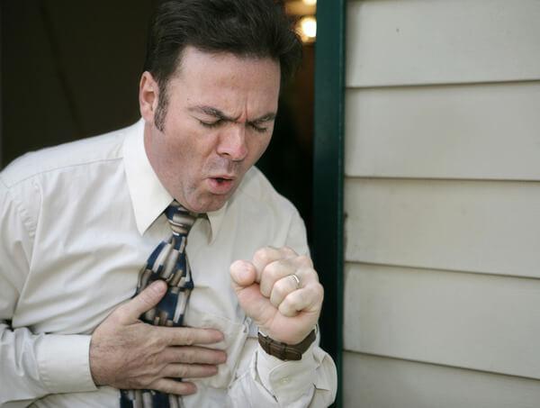 Личинки в дыхательных путях могут провоцировать кашель