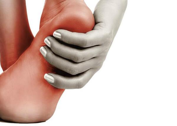 Как уберечь ноги от чесоточного клеща?